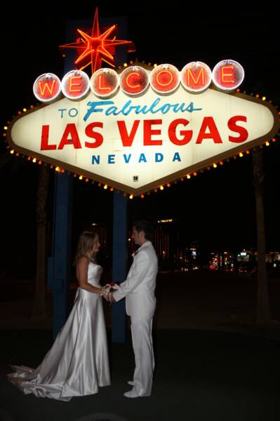 Thousands Upon Of Couples Continue To Choose Marry In Las Vegas